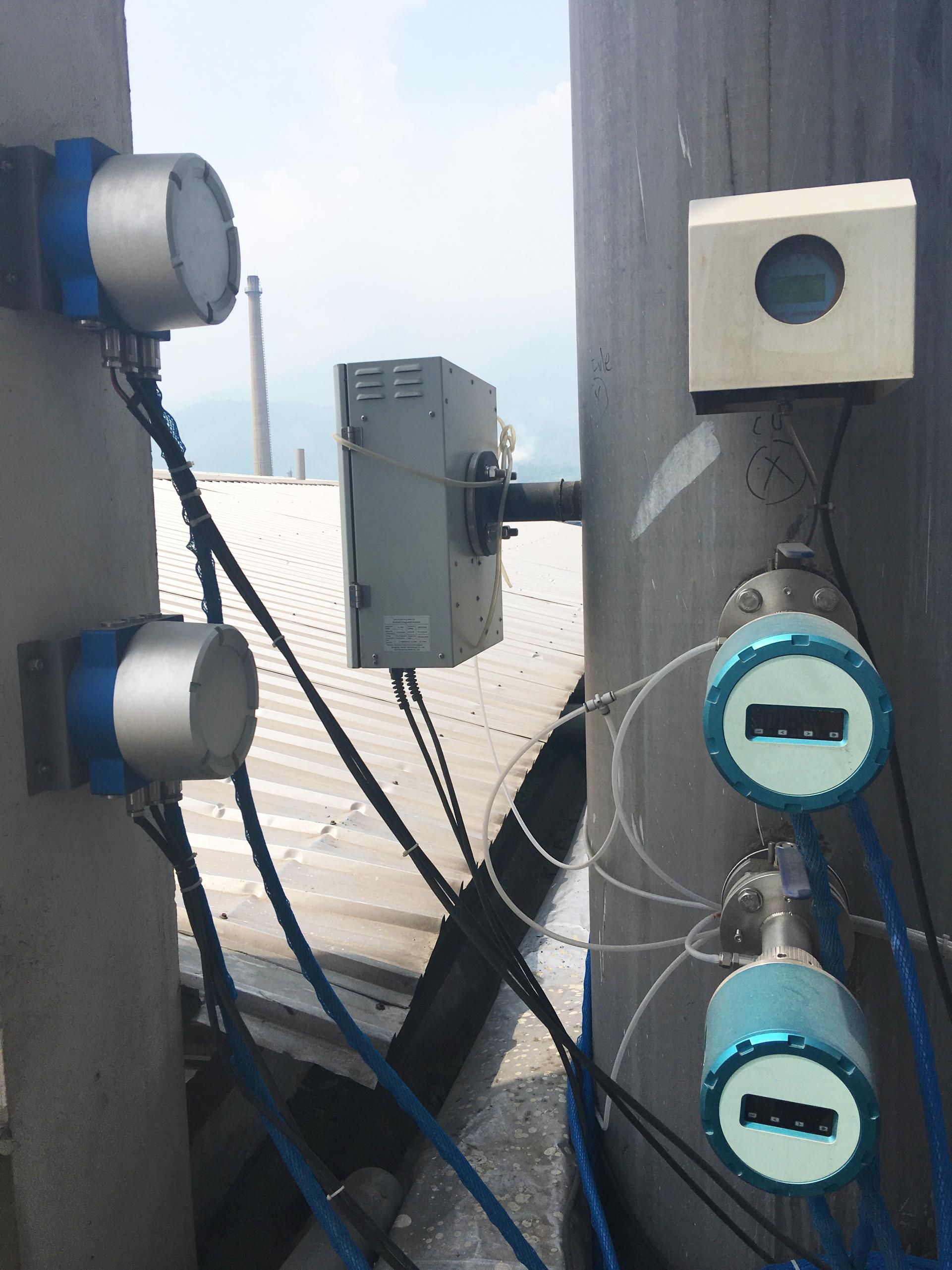 Lắp đặt trạm quan trắc khí thải